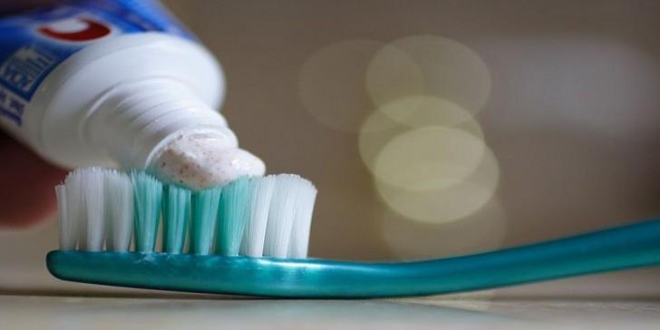 Nanotechnology in toothpaste | Die Innovationsgesellschaft mbH